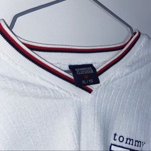 Tommy Hilfiger Tops - Vintage Tommy long sleeve v neck